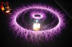 VOLNÁ ENERGIE ŽIVĚ V AKCI! BERE TO DECH, PROTOŽE SE PŘEPISUJE VĚDA