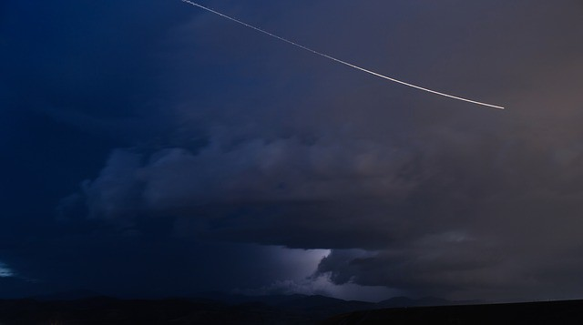 Geminidy mají velmi příznivé podmínky, v noci na úterý zazáří přes 1000 meteorů