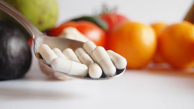 Lék na vzrušenou dobu: Ukliďme si ve svém nitru. Psychika je pro zdraví určující. Proč umírá pětina lidí předčasně? Negativní emoce ničí vnitřní orgány. Nehody nejsou náhody
