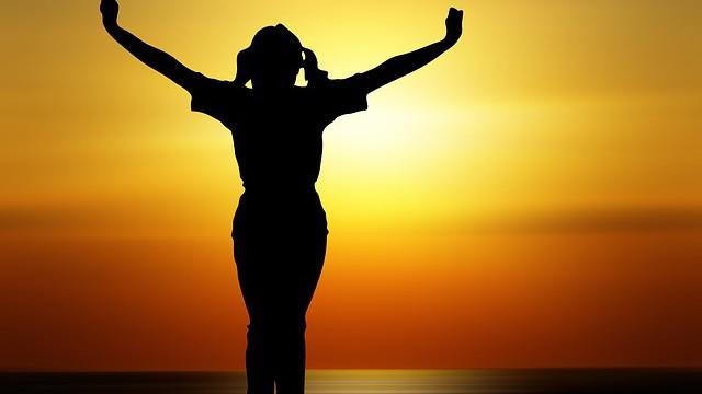 ŽÍT PLNÝ A SLAVNÝ ŽIVOT ZNAMENÁ ŽÍT HO PO CELÝ ČAS; NIKOLIV JEN OBČAS.