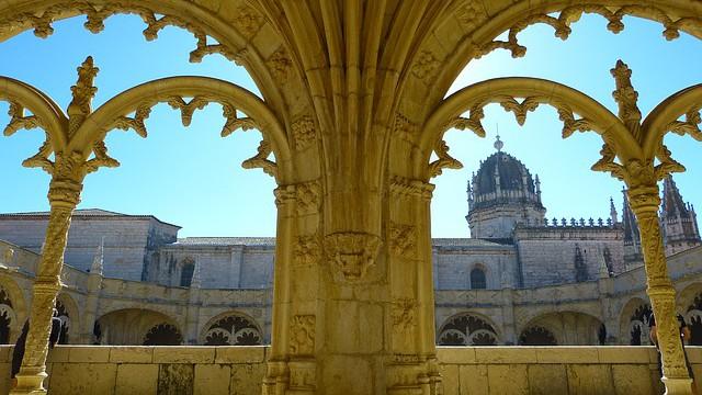 Španělsko: Astronaut na katedrále z roku 1102?