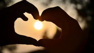 Co to znamená být skutečný díky lásce